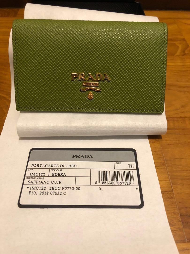 a24f6565a91cdd 🍀Raya sale!🍀BNIB Prada green saffiano card holder with gold ...