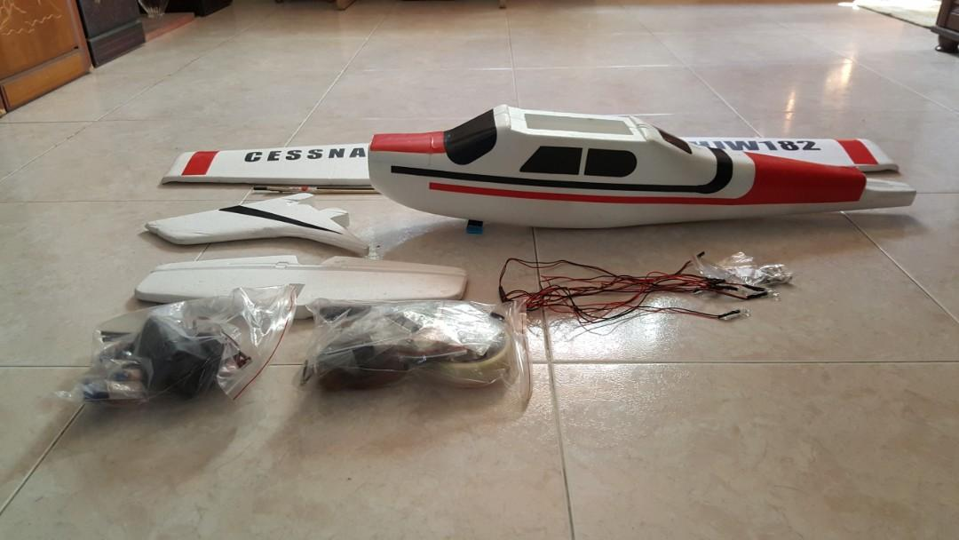RC Plane Cessna HJW 182 1200mm Wingspan EPS Trainer Beginner