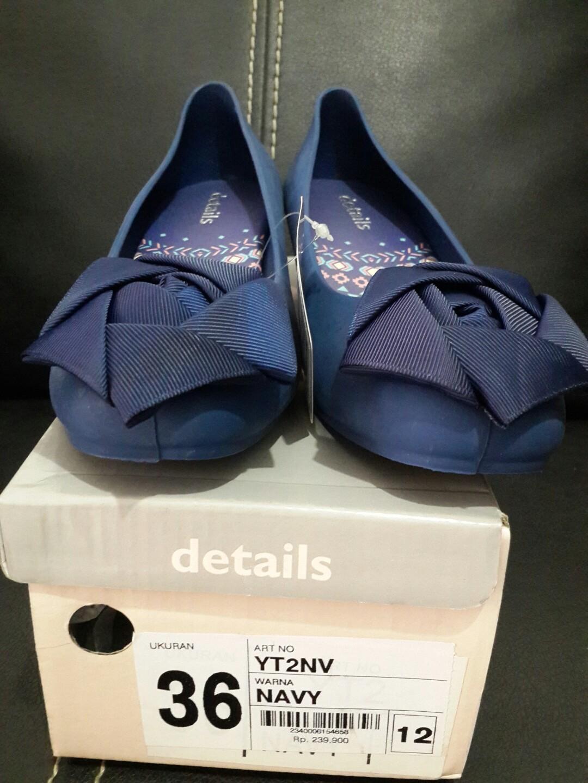 Sepatu Melissa details 36