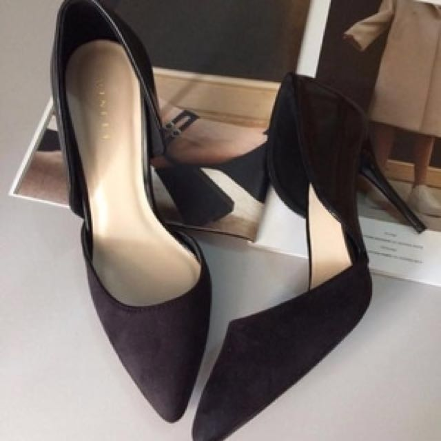 6be75926 Vincci Pointed Black Heels, Women's Fashion, Shoes on Carousell