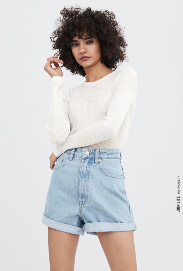 4f85fc366e Zara SALE✨ Authentic Denim Mom Fit Bermuda Shorts in Light Blue