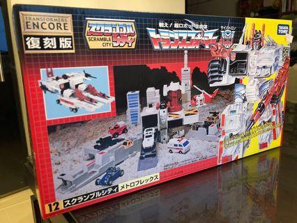 Takara Tomy Transformers Encore 12 Scramble City Metroflex