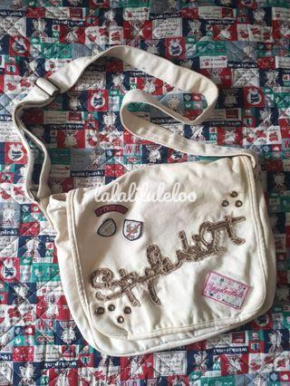 SPYDERBILT white sling bag