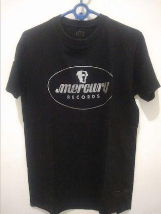 kaos Uniqlo Mercury Records