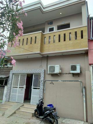 Rumah 2 lantai villa taman bandara