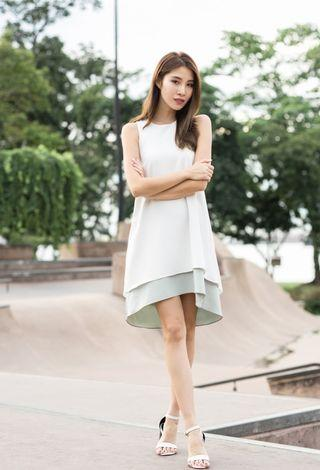 BNWT Thread Theory Signature Theory Reversible Dress In White Or Pistachio