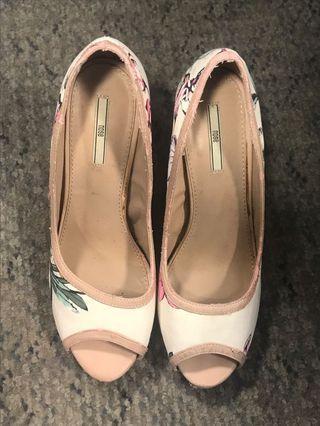 Nose Flora heels size 40