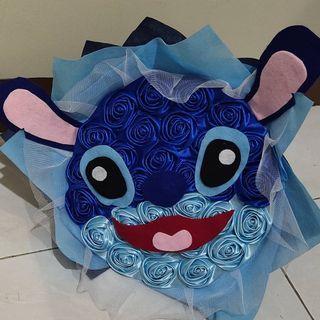 Bunga Wisuda karakter stitch