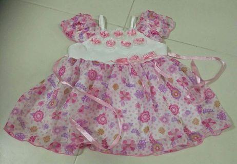 🚚 Pre loved baby girl dress