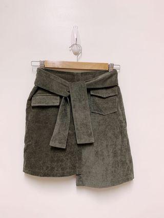 🚚 鬆緊腰不對稱長短絨質感挺版造型腰綁口帶褲裙