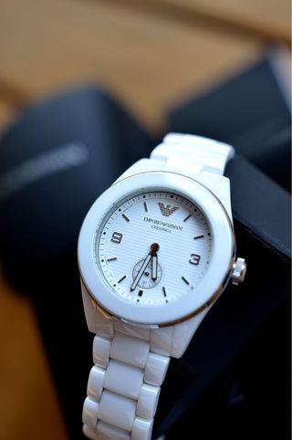 🚚 Emporio Armani純淨白陶瓷義式時尚女用腕錶(AR1425),39mm錶徑