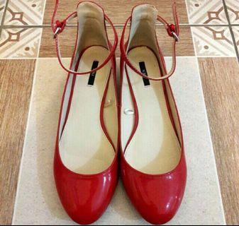 [NEW] F21 Red block heels