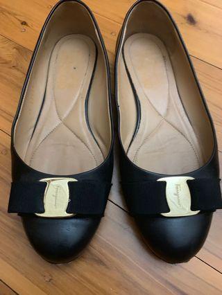 salvatore ferragamo Varina black leather flats. 6.5 AUS authentic . Pre loved