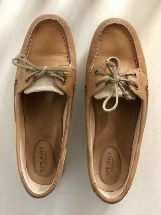 SPERRY Top Sider Tan Flats 9.5