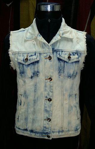 Forever 21 Denim Jeans Sleeveless Jacket Acid Wash Ripped