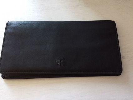 🚚 Brand new Calvin Klein calf leather wallet