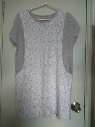 Pearls neckline lace tunic
