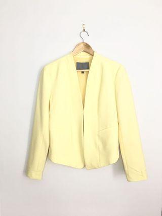 CLASSIQUE ENTIER soft yellow open blazer 4