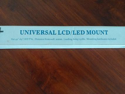 BNIB Universal LCD/LED TV mount