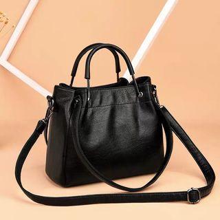 🚚 Female bag 2019 new Korean version fashion handbag simple retro soft leather bucket bag shoulder Messenger bag sling bag crossbody
