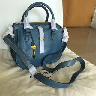 Fossil handbag 2 ways. Crossbody and handbag