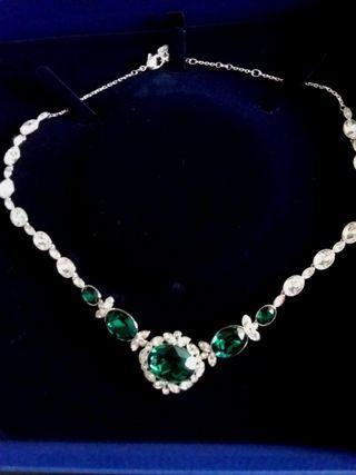 🚚 Swarovski Emerald Necklace