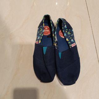 Preloved like new Wakai Shoes size 36