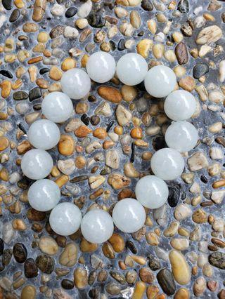 糯冰種~白帶淡綠玉珠手串~帶點通透 Size約~13.3mm 共15粒