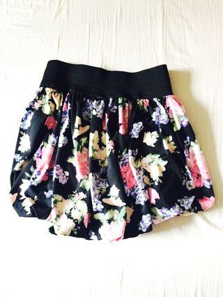 *Reduced Price*Floral Miniskirt XS