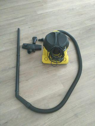 Karcher Vacuum Cleaner 🐝