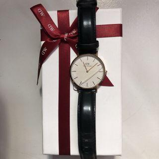 AUTHENTIC Navy Gold Daniel Wellington Watch
