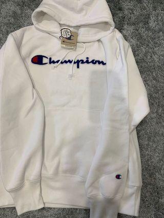 BNWT Large women's champion hoodie
