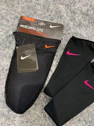 BNWT Nike women's soccer gear ( shin protection)