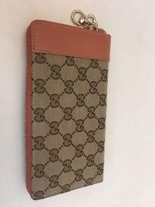 Gucci monogram canvas zip round long wallet ( 16 pocket ) come with dustbag