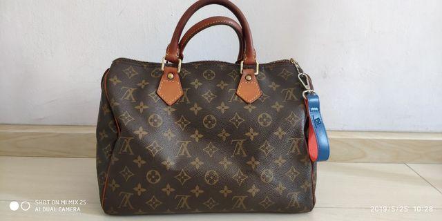 SGD305!! Louis Vuitton speedy 30 used **authentic genuine**