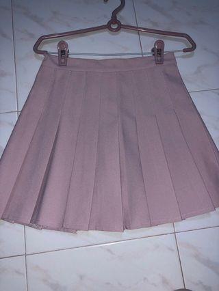 🚚 Pink Pleated Skirt