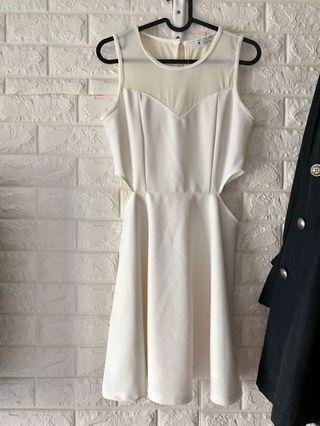 夏季女神白色連身裙