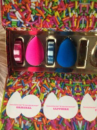 Beauty blenders x 2 with matching mini cleansers