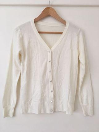Cream white cardigan with pearl buttons size 6, 8