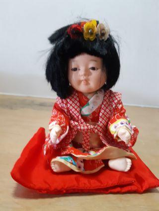 🚚 Two vintage Japanese dolls