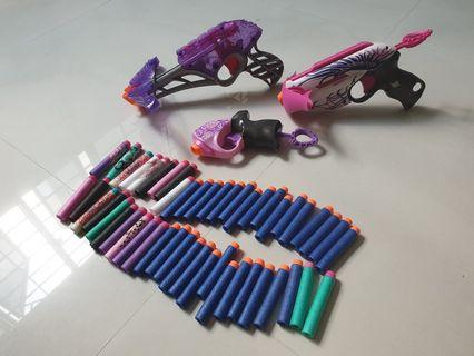 🚚 Great condition 3 NERF guns and bullets. See pic.