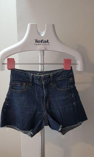 🚚 Denim Shorts size 00 (W22)