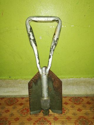 Army vintage scoop