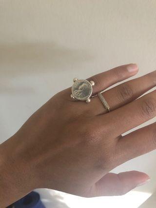Fiorina ring