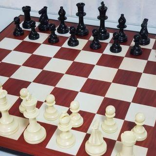 Chess Set, wooden-design, 18sq.inches, w/ Hi Quality Pieces