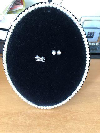 🚚 Earings Organiser