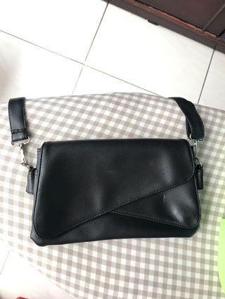 Tas kecil , kasual warna hitam