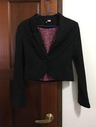 🚚 H&M黑色短版外套