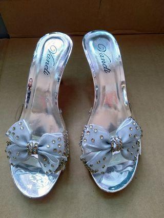 🚚 8cm蝴蝶結涼鞋,全新