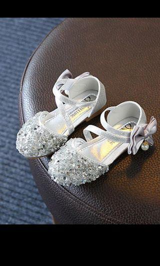 🚚 Brand New Glitter shoes